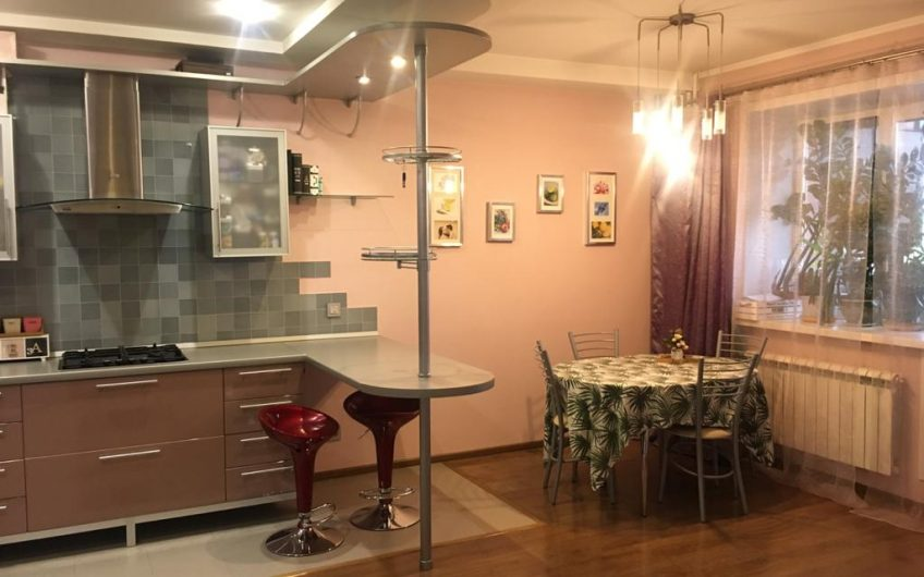 Продается 3х комнатная квартира 96м2